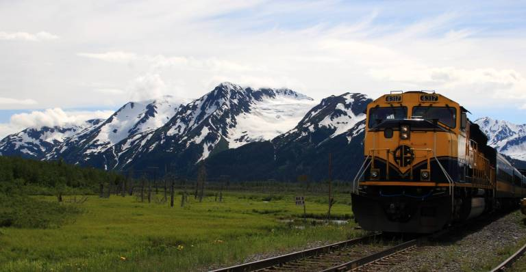 Alaska_Railroad_train_to_Spencer_Glacier.jpg