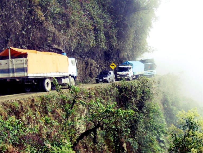 north-yungas-road_2.jpg